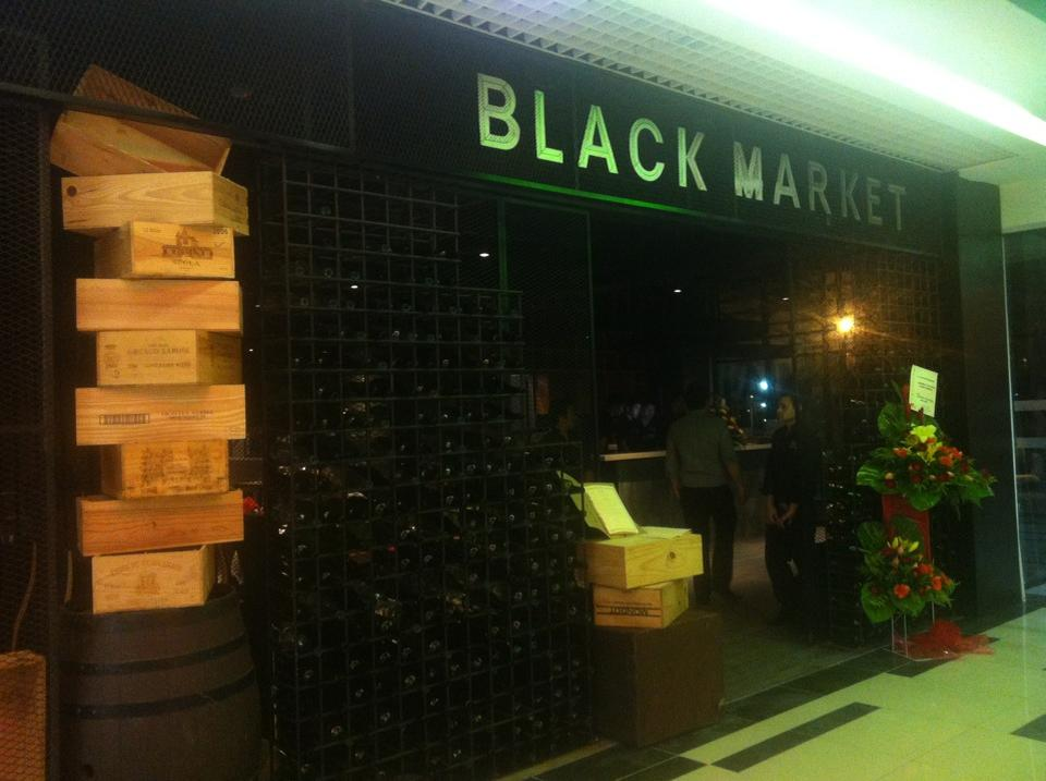 Black Market at the Main Place